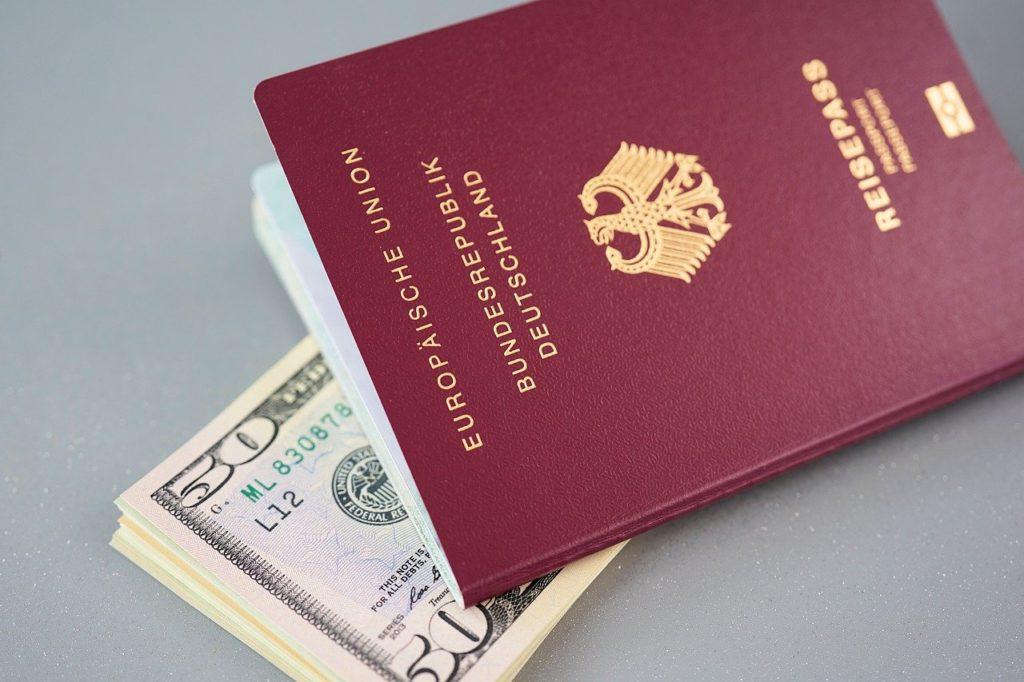 כסף ודרכון